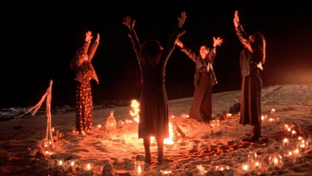 Der Hexenclub - Bildquelle: Foo