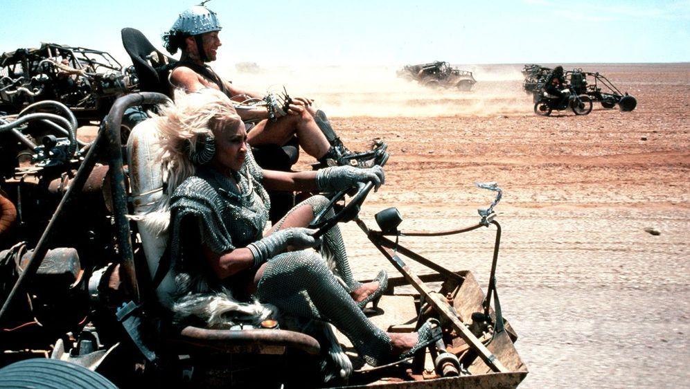 Mad Max - Jenseits der Donnerkuppel - Bildquelle: Foo