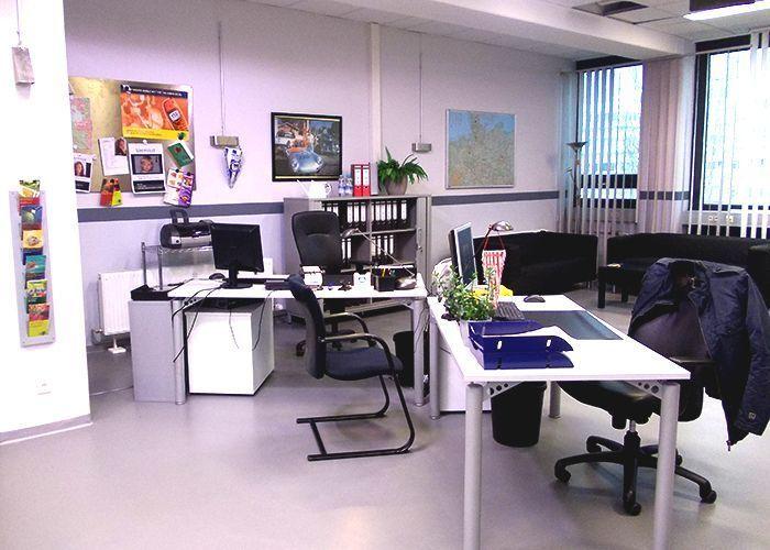 k11-130108-gerrits-und-roberts-arbeitsplatz_SAT - Bildquelle: Constantin Entertainment GmbH/SAT.1