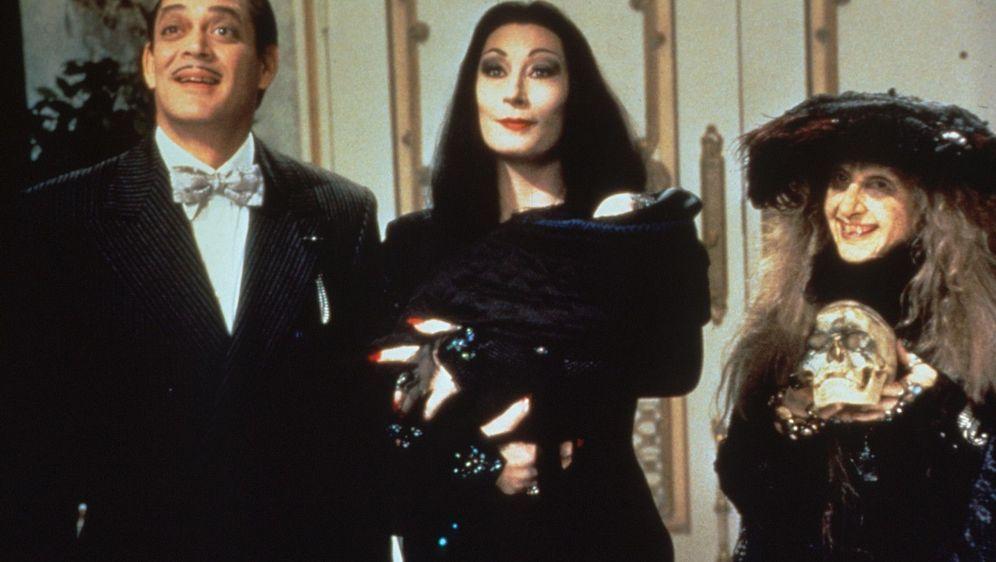 Die Addams Family in verrückter Tradition - Bildquelle: Foo