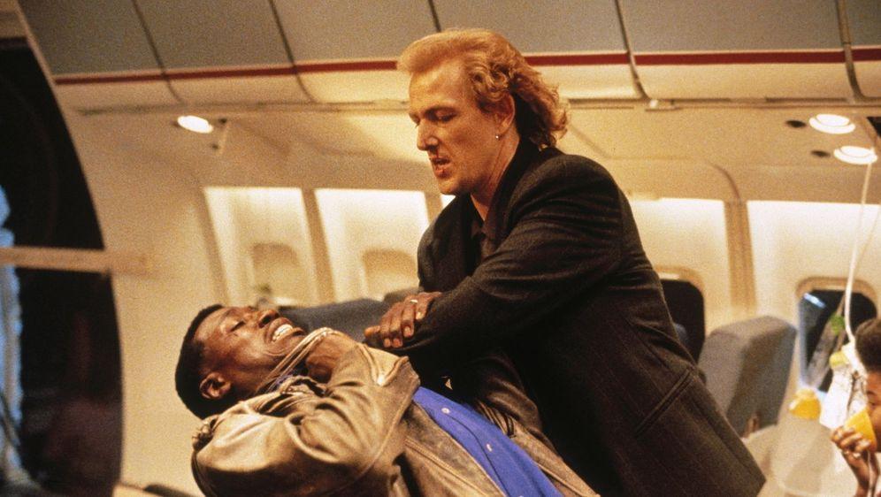 Passagier 57 - Bildquelle: Foo